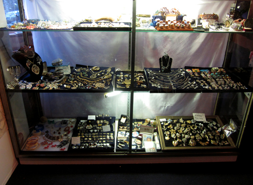 Vintage Costume Jewelry at What Cheer Records + Vintage in Providence 2